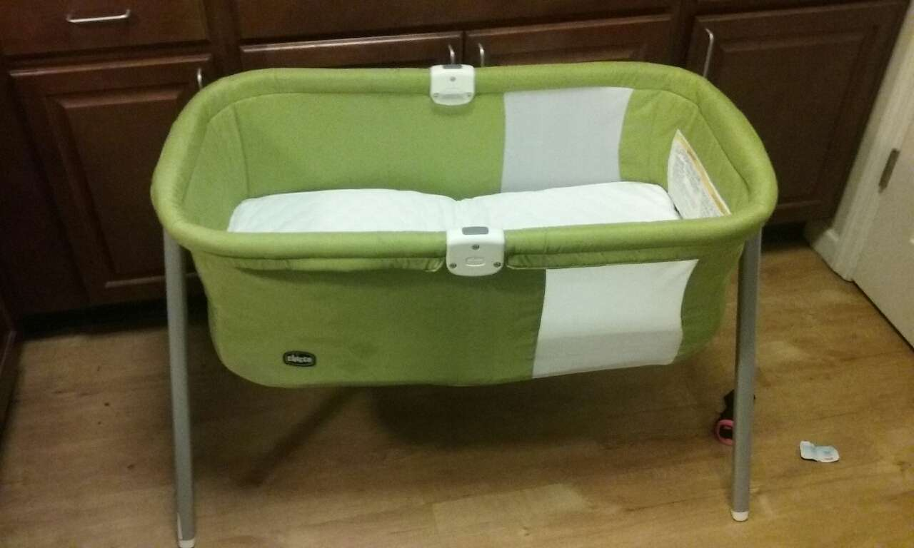chicco portable cot bassinet instructions